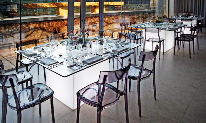 Mesa square. mesa cristal con Luz de Slide.